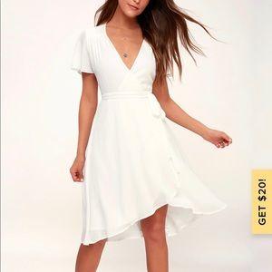 White midi wrap dress - Lulu's - size small